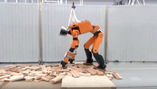 Honda показала новий прототип робота-рятувальника