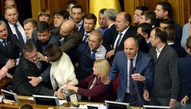 """""""Донбаські закони"""": насправді, позиція України стає жорсткішою"""