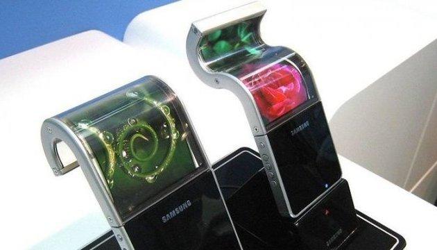 Samsung випустить гнучкий смартфон