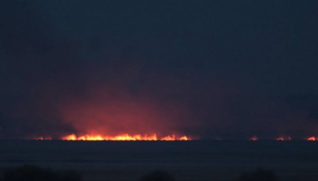 В заповедной зоне на Днестре горят плавни