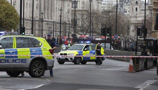 В Лондоне автомобиль въехал в толпу людей