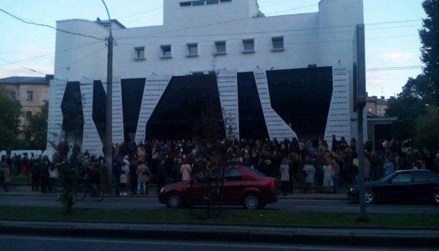 Активісти заблокували клуб у Львові, де запланований концерт Сергія Бабкіна