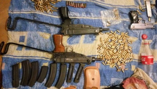 СБУ затримала банду, що переробляла та продавала зброю