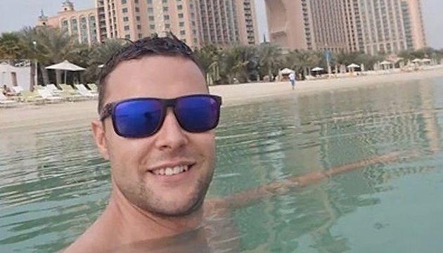 Шотландцю загрожує ув'язнення за дотик до стегна чоловіка в Дубаї