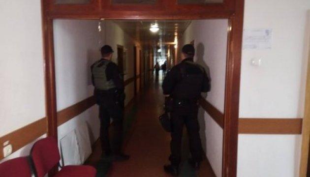 Обшуки в Черкаській мерії: прокуратора розповіла, що вилучили