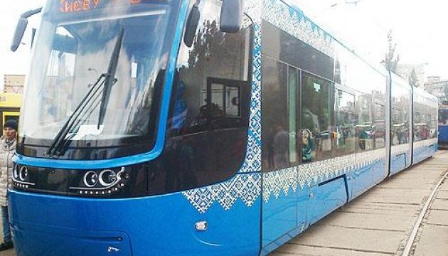 В Киеве все скоростные трамваи будут с кондиционерами, низким полом и Wi-Fi