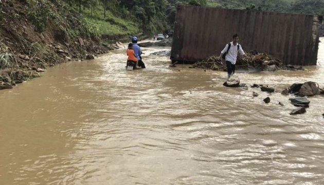 От наводнений и оползней во Вьетнаме погибли семь человек