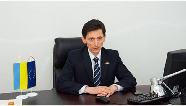 Minister, ambassador discuss Serbian mercenaries in Donbas
