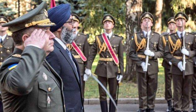 День захисника: Міністр оборони Канади привітав воїнів українською мовою
