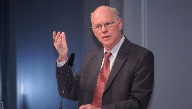 Глава немецкого бундестага выразил солидарность с Сенцовим