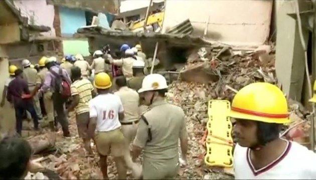 В Индии рухнула многоэтажка, погибли минимум 5 человек