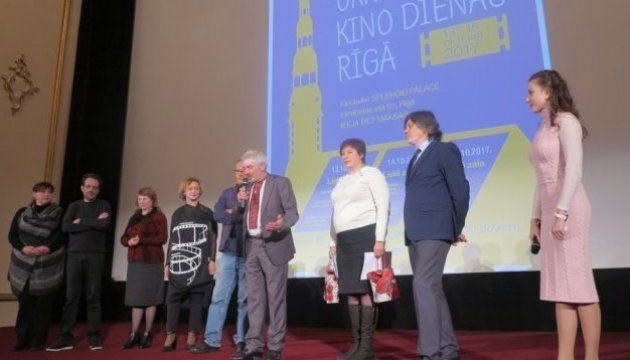 Participants of Ukrainian film festival in Riga support Oleg Sentsov