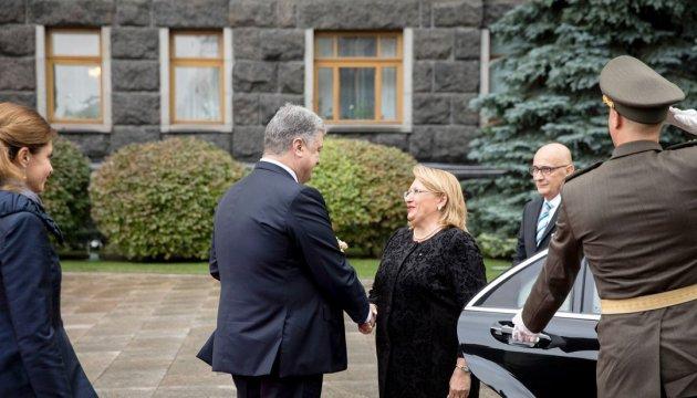 Ukraine sees Malta as road to North African market - Poroshenko