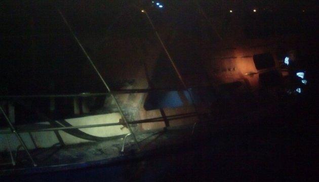 На причале в Херсоне ночью горели катера