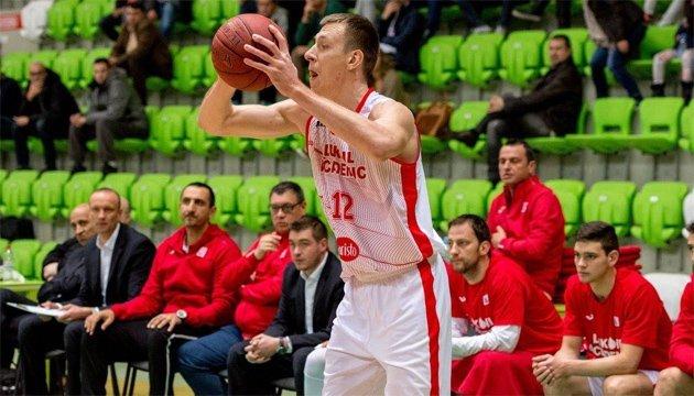 Баскетбол: форвард сборной Украины Корниенко будет играть в литовском
