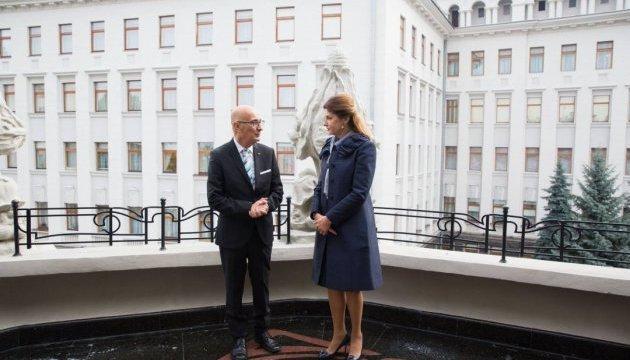 Марина Порошенко и Эдгар Прека обсудили гибридную войну против Украины