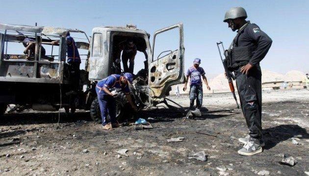 В Пакистане смертник протаранил полицейский грузовик, семеро погибших