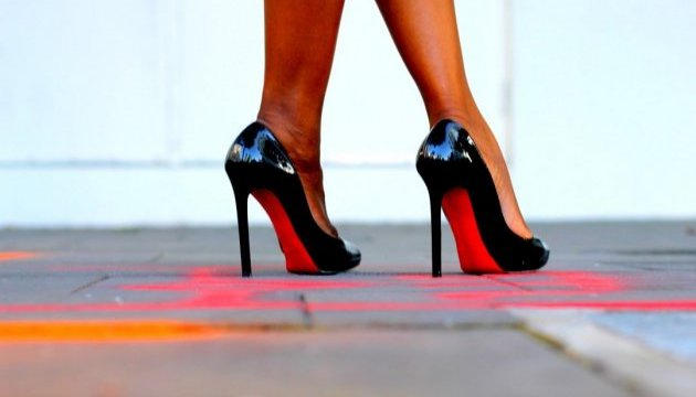 В Канаде хотят запретить высокие каблуки на работе