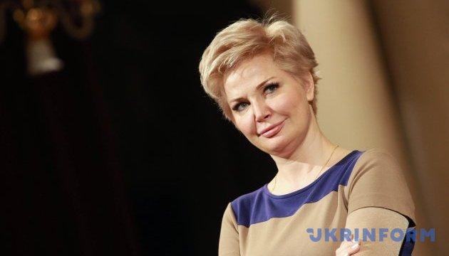 Максакова заявляет, что неизвестные взломали и заблокировали ее квартиру
