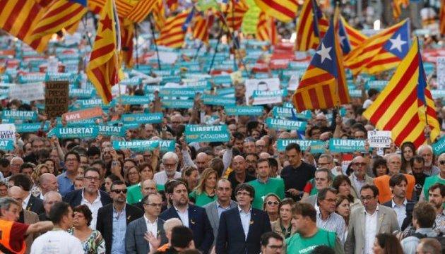Протести в Каталонії: проти обмеження автономії вийшли 450 тисяч