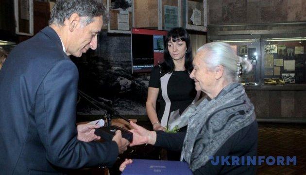 Праведники мира: посол Израиля наградил восемь украинских семей