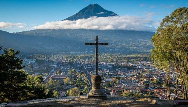 Виверження вулкана в Гватемалі забрало життя 62 осіб