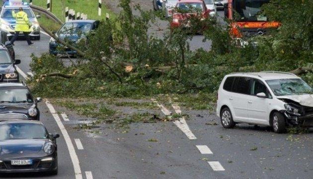 Ураган Герварт: МИД обнародовал экстренные телефоны консулов