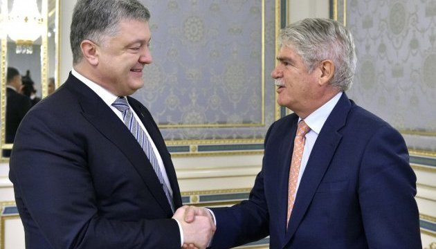 Poroshenko meets with foreign minister of Spain