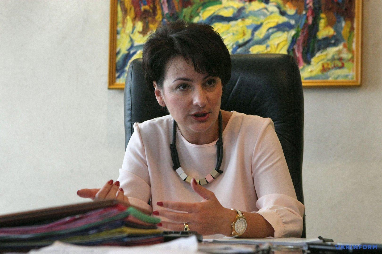 Олена Сукманова