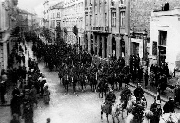 Парад Войска Польского во Львове