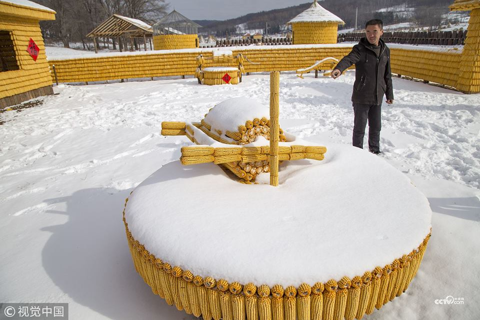 У Китаї спорудили кукурудзяний будинок (ФОТО)