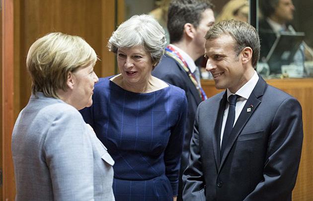 Меркель, Мей, Макрон EPA-EFE/OLIVIER HOSLET