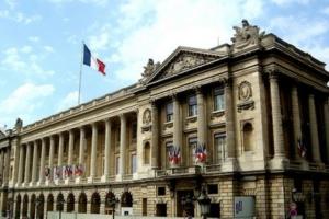 Французские власти насчитали уже более 2 миллионов безработных из-за коронавируса