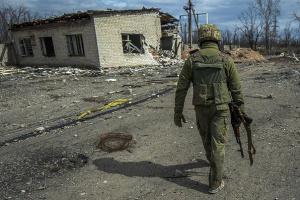 Un militaire ukrainien blessé aux abords d'Avdiivka