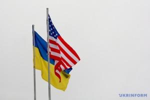 Am Tag der Einheit der Ukraine erinnert US-Botschaft Russland an Donbass und die Krim