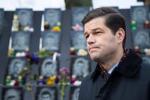 Помощник Помпео, который отвечал за Украину, уходит в отставку