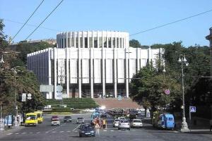 Администрация Президента планирует переехать в Украинский дом