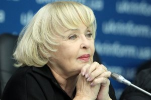 Роговцева отмечает день рождения: сегодня у нее спектакль
