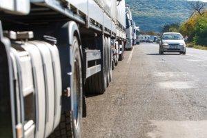 На українсько-польському кордоні майже на 30% зріс рух вантажівок
