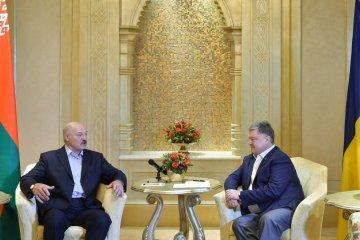 Poroshenko, Lukashenko discuss preparations for economic forum in Gomel