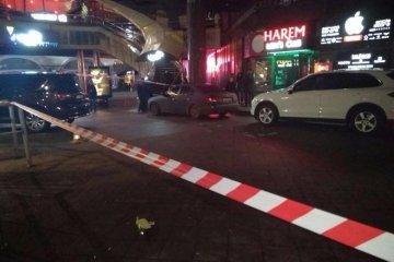 Des inconnus ont jeté des paquets explosifs dans un bar de strip-tease à Kyiv