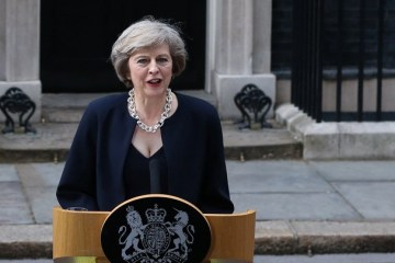 """May ruft EU-Politiker auf, """"Augen auf Bedrohung durch Russland zu öffnen"""""""
