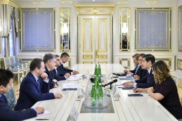 Mitchell: El personal de mantenimiento de la paz debería desplegarse en todo el territorio de Donbás ocupado