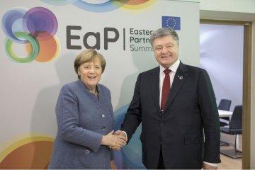 Brüssel: Poroschenko verhandelt mit Merkel