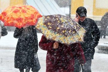 El mal tiempo causa apagones en 537 ciudades y pueblos de 14 regiones