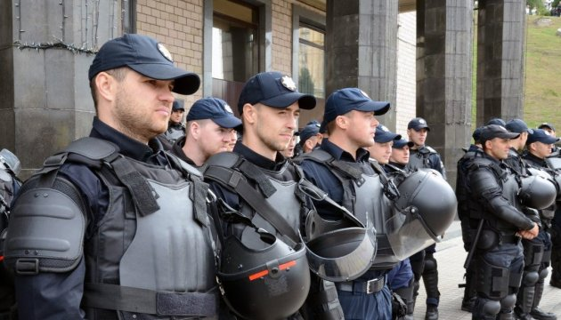 Близько 300 силовиків супроводжують акцію Саакашвілі в центрі Києва