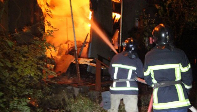 Пожежа на Дніпропетровщині у таборі переселенців: загинула дитина