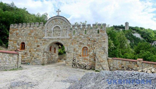 Лядовский скальный монастырь. Тысячелетняя молитва Подольского Афона