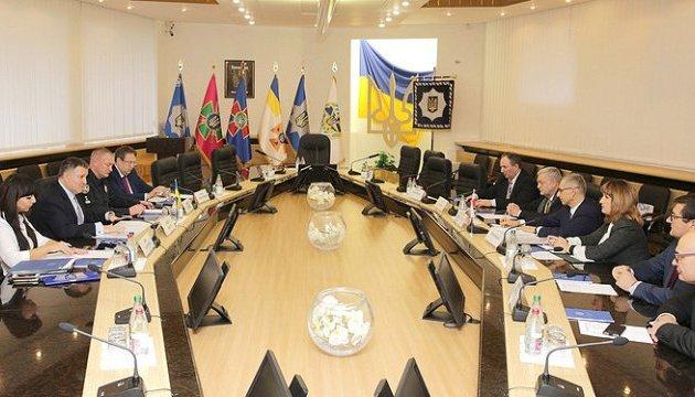 Украина готова открыть для Польши базы на криминальных элементов