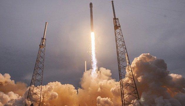 SpaceX успешно запустила ракетоноситель нового типа Falcon 9 Block 5